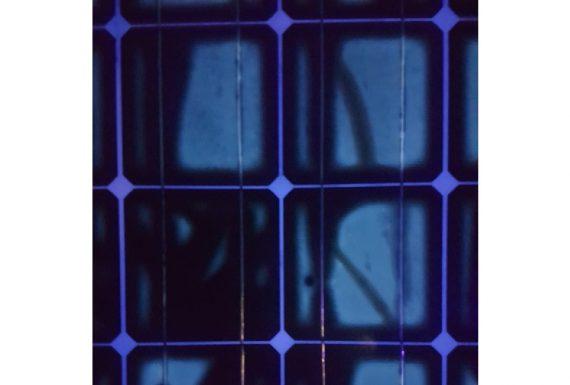 Υπεριωδης Φθορισμος φωτοβολταϊκων πανελ – UV Test